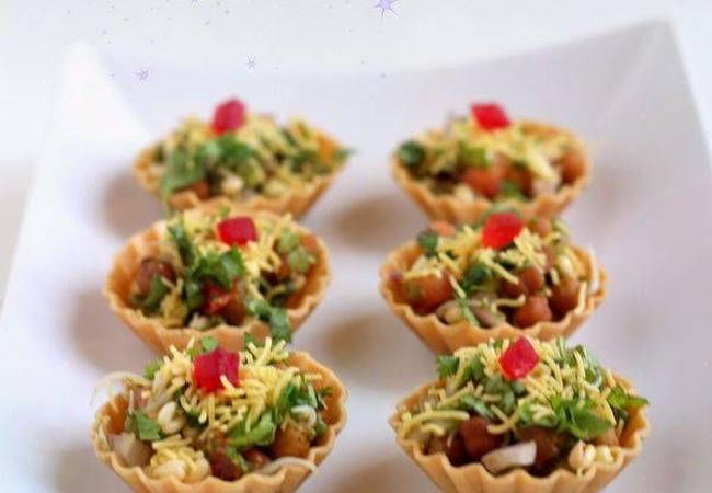 Baked beans canap cookifi catering services in bangalore for Canape catering services